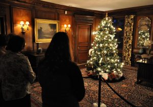 reynolda-house-christmas-decorations